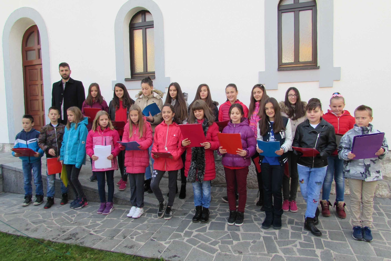 djeca iz škole vjeronauke