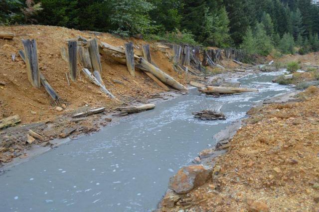 640_1603_Boja Mjedeničkog potoka nakon ulčivanja otpadnih voda iz Rudnika olova i cinka