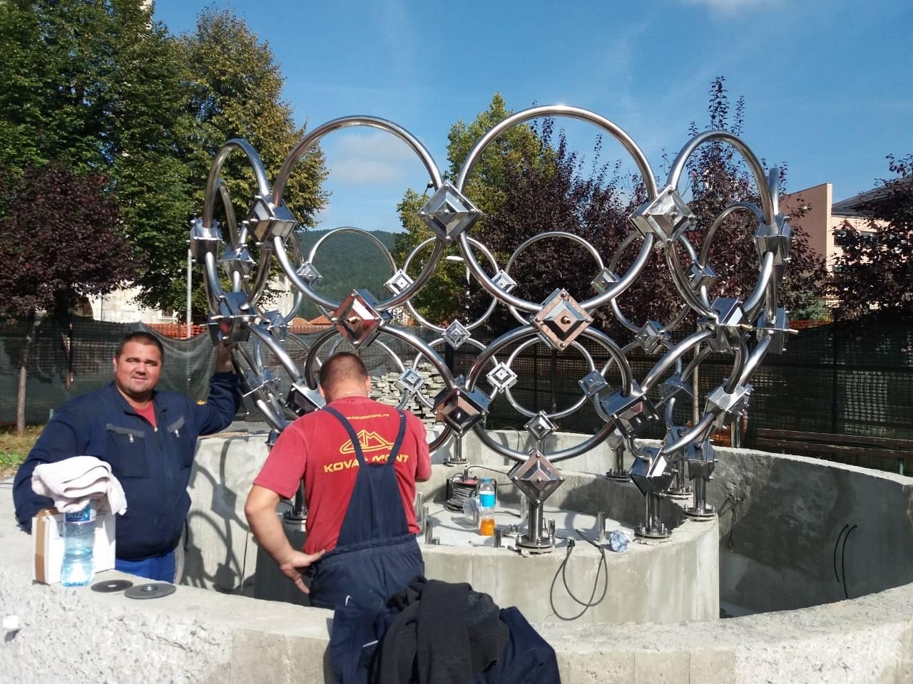 Radnici i fontana