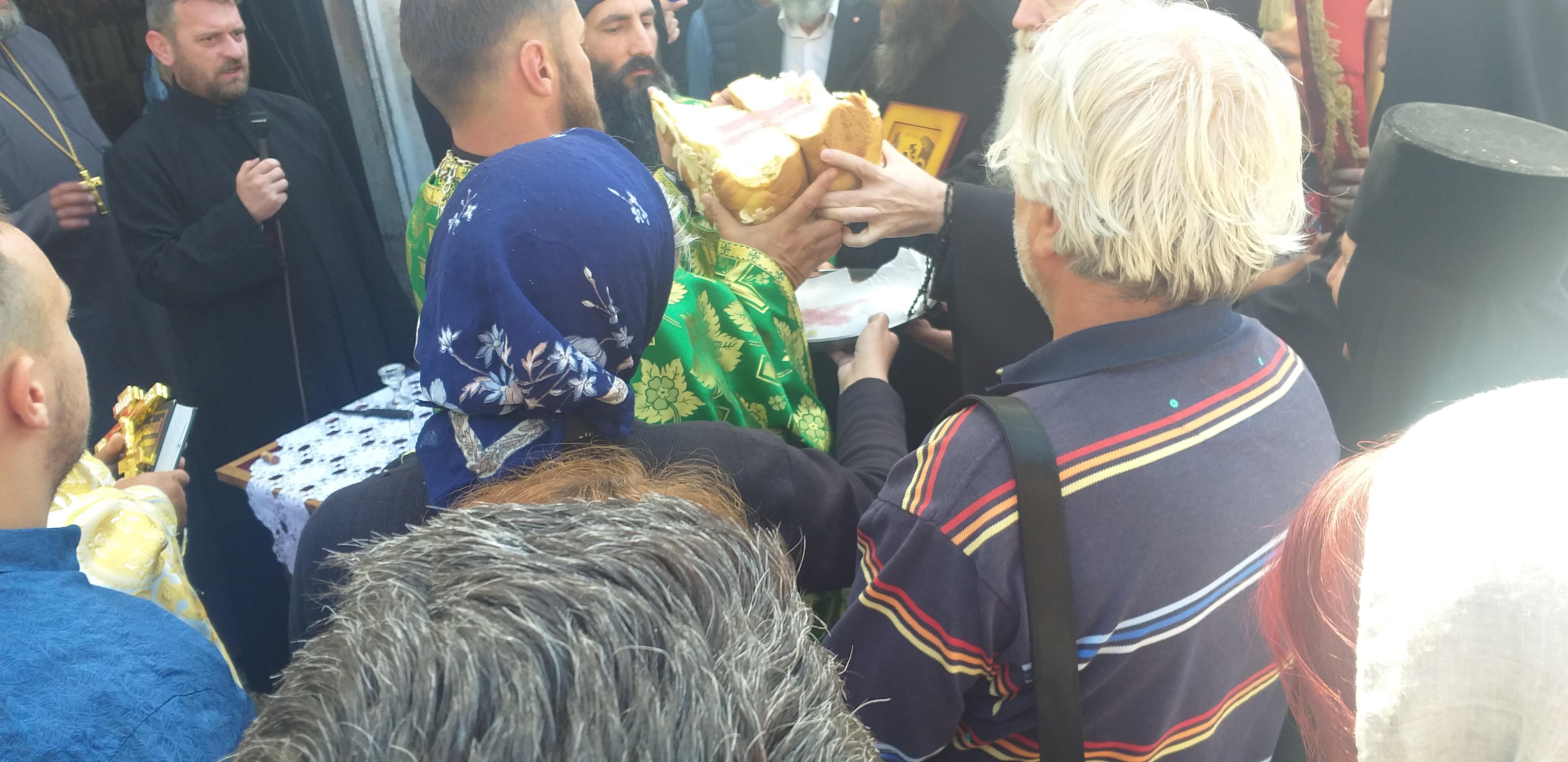 Lomljenje slavskog kolaca