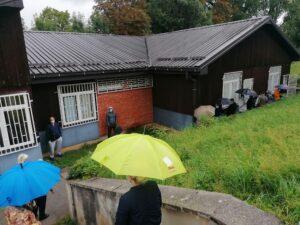 Pacijenti čekaju ispred Kovid ambulante